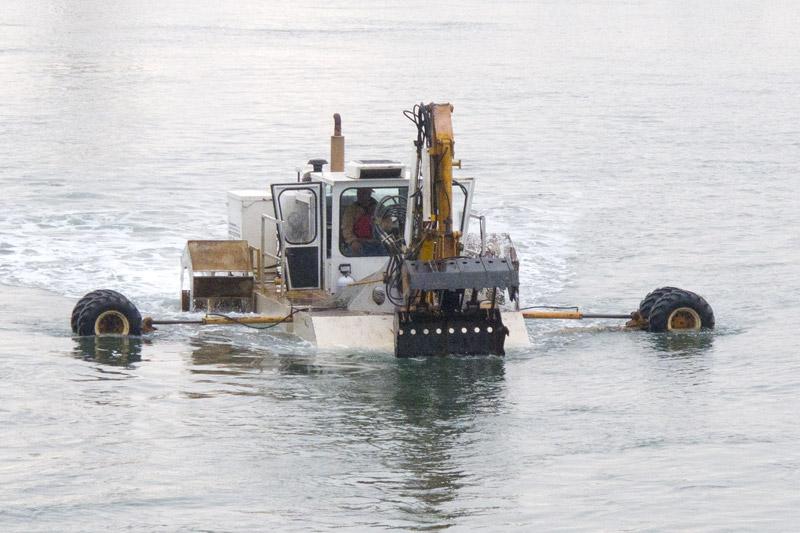 Aquamog in Oakland Estuary